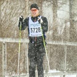 Skiing 90 km - Erik Haugen (3728)