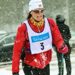 Skiing 90 km - Eva Grindheim (3)