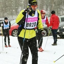 Skiing 90 km - Robert Östlin (8820)