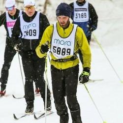 Skiing 90 km - Stefan Hallberg (5889)