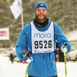 Skiing 90 km - Fredrik Perulf (9526)
