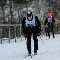 Skiing 90 km - Brett Kariniemi (9594)