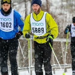Skiing 90 km - Anders Jonsson (1602), Stefan Hallberg (5889)