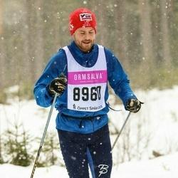 Skiing 90 km - Erik Redfors (8960)