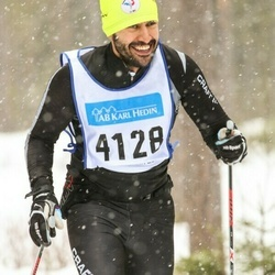 Skiing 90 km - Ali Hamadani (4128)