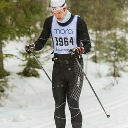 Skiing 90 km - Erik Frisk (3964)