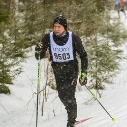 Skiing 90 km - Christian Johnson (9503)