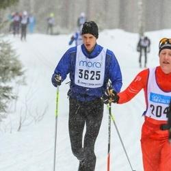 Skiing 90 km - Carl-Johan Fredman (3625)