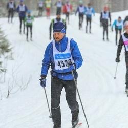 Skiing 90 km - Christer Östlund (4326)