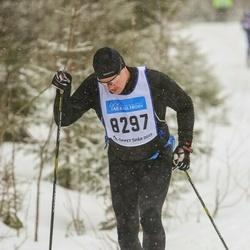 Skiing 90 km - Anders Grinneby (8297)
