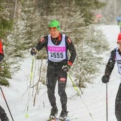Skiing 90 km - Henrik Lundevall (2555)