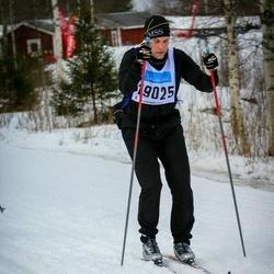 Skiing 90 km - Fredrik Perlaky (19025)
