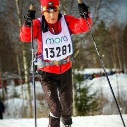 Skiing 90 km - Doris Trueman (13281)