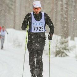 Skiing 90 km - Henrik Hofling (7729)