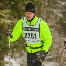 Skiing 90 km - Carl Dock (9261)