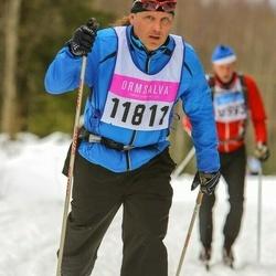 Skiing 90 km - Henrik Hjalmarsson (11811)