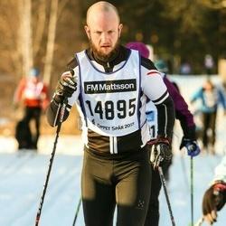 Skiing 90 km - Henrik Esserius (14895)