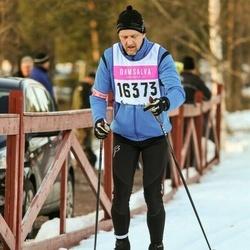 Skiing 90 km - Henrik Sollenby (16373)