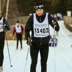 Skiing 90 km - Mikael Ljungqvist (13402)