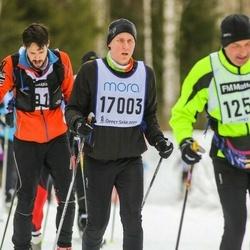 Skiing 90 km - Daniel Bergsten (17003)