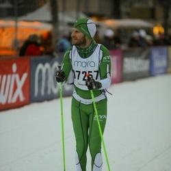 Skiing 90 km - Henrik Gustafsson (17257)