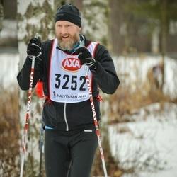 Skiing 45 km - Jens Lindström (3252)