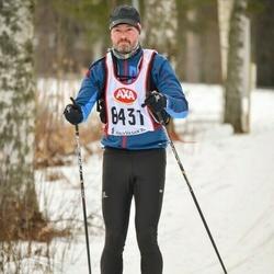 Skiing 45 km - Jacques Pellis (8431)