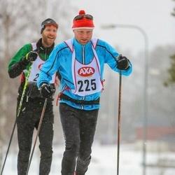 Skiing 45 km - Mikael Wallén (225)