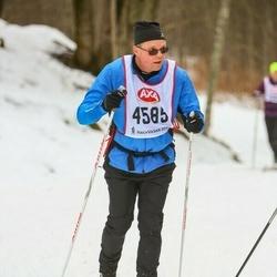Skiing 45 km - Stefan Lindahl (4585)