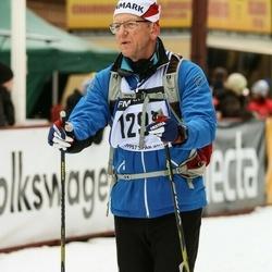Skiing 45 km - Niels Holmenlund (1297)