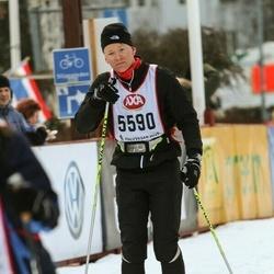Skiing 45 km - Nikki Hadidpour (5590)