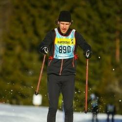 Skiing 90 km - Oscar Sandberg (8903)