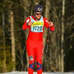 Skiing 90 km - Christian Harding (11203)