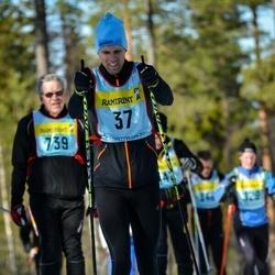 Skiing 90 km - Henrik Bjurström (375)