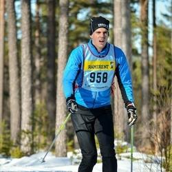 Skiing 90 km - Kristoffer Edvardsson (9585)