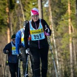 Skiing 90 km - Linda Scott (9915)