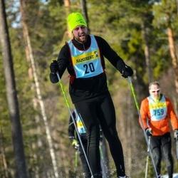 Skiing 90 km - Henrik Tegenfeldt (205)