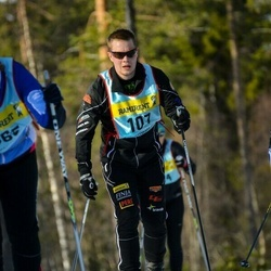 Skiing 90 km - Mikael Tham (1075)