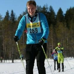 Skiing 90 km - Fredrik Illerstam (2692)