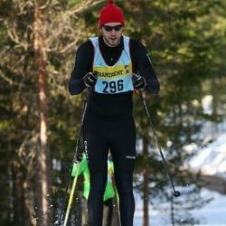 Skiing 90 km - Christian Henriksson (2967)