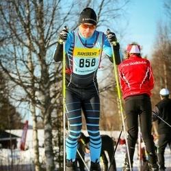 Skiing 90 km - Pär Tielman (8586)