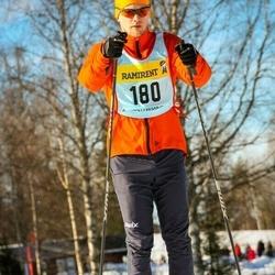 Skiing 90 km - Eivind Moen Rønning (1806)