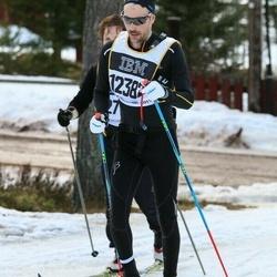 Skiing 90 km - Henrik Hjerpe (12382)