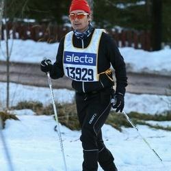 Skiing 90 km - Henrik Ellfors (13929)