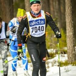 Skiing 90 km - Paul Hager (7040)