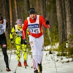 Skiing 90 km - Anders Frelin (5745)