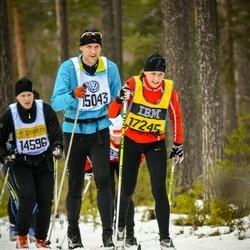 Skiing 90 km - Henrik Jonsson (15043), Åsa Wigerstedt (17245)