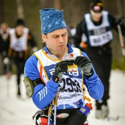 Skiing 90 km - Dan Eriksson (12998)