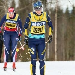 Skiing 90 km - Karin Vemhäll (18917)