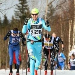 Skiing 90 km - Henrik Johansson (2390)
